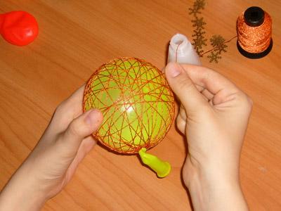 Как можно сделать новогоднюю игрушку своими руками