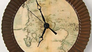 Настенные часы «Antique Map» своими руками