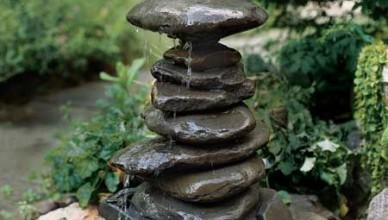 Декоративный садовый фонтан своими руками