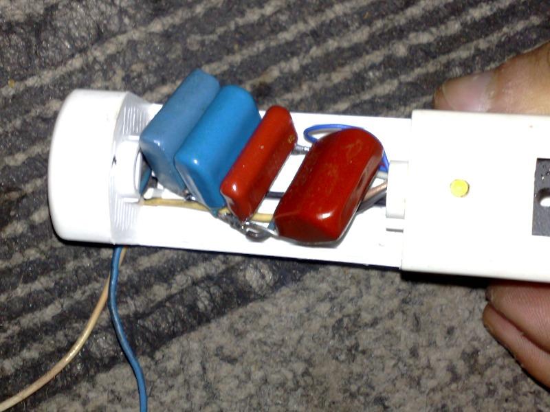 простое зарядное устройство автомобильных аккумуляторов